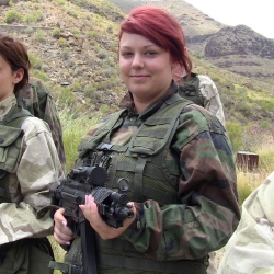 Airsoftgirl.net_real-airsoft-girls (12)