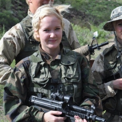 Airsoftgirl.net_real-airsoft-girls (13)
