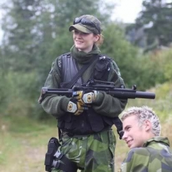 Airsoftgirl.net_real-airsoft-girls (200)
