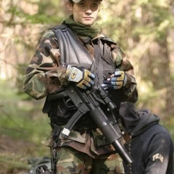 Airsoftgirl.net_real-airsoft-girls (201)