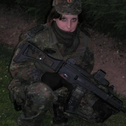 Airsoftgirl.net_real-airsoft-girls (209)