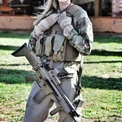 Airsoftgirl.net_real-airsoft-girls (226)