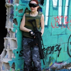 Airsoftgirl.net_real-airsoft-girls (9)